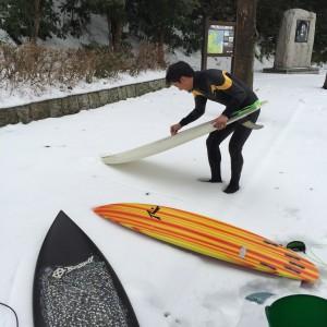 最新セミドライスーツ入荷。冬のサーフィンは、暖かい=モチベーション!