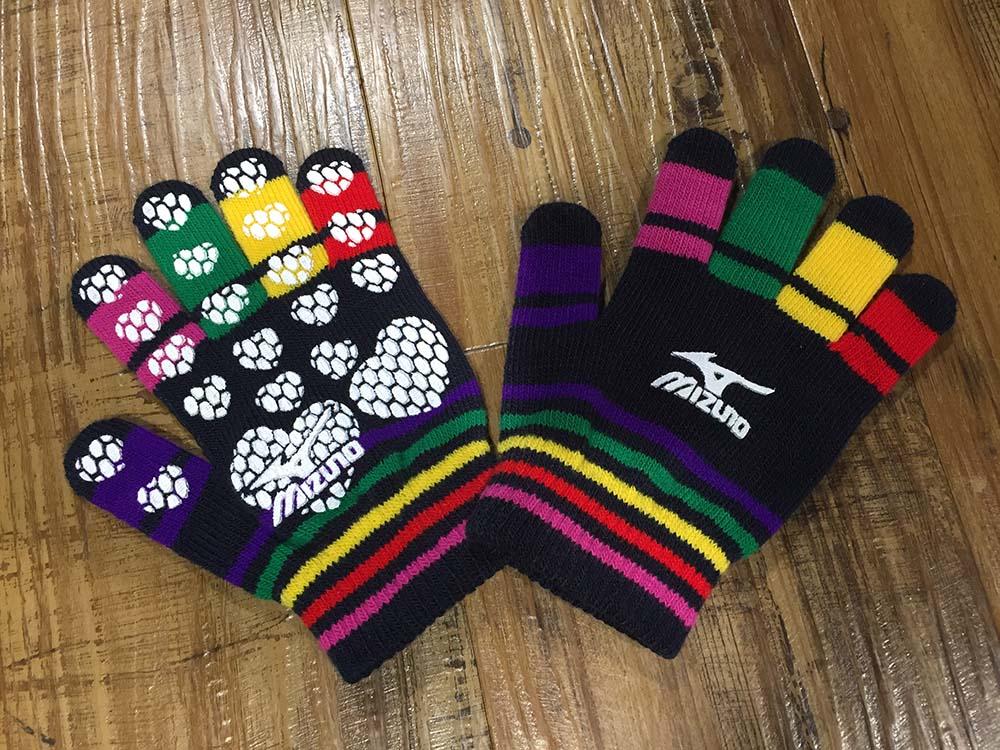 B1フロア限定!ミズノウインターフェア開催中!伸~び伸~びニット手袋プレゼント!