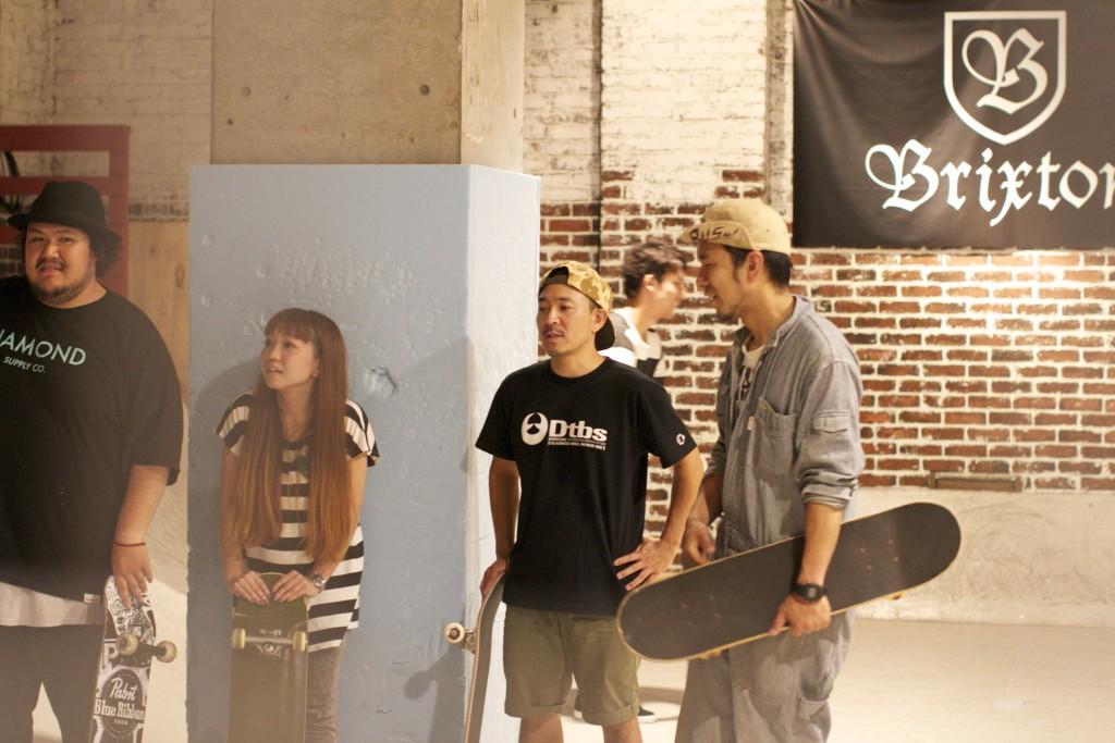 初心者だらけのスケートボードスクール!