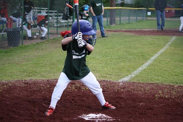 少年野球には、どんなリーグがあるの?