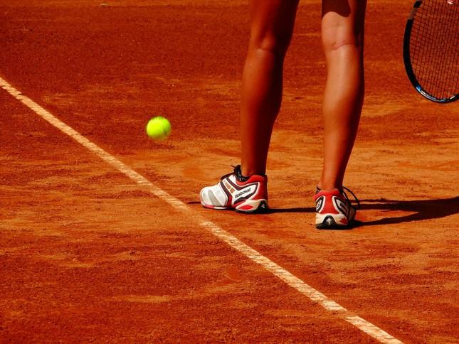 テニスのルール初級編 15→30→40!?数え方の謎について