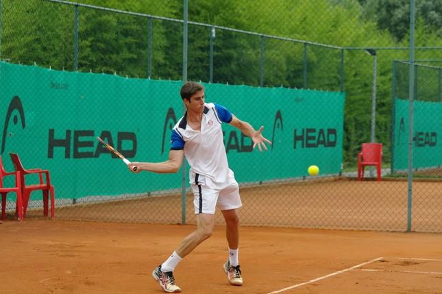 一人でもできるテニスの練習メニュー