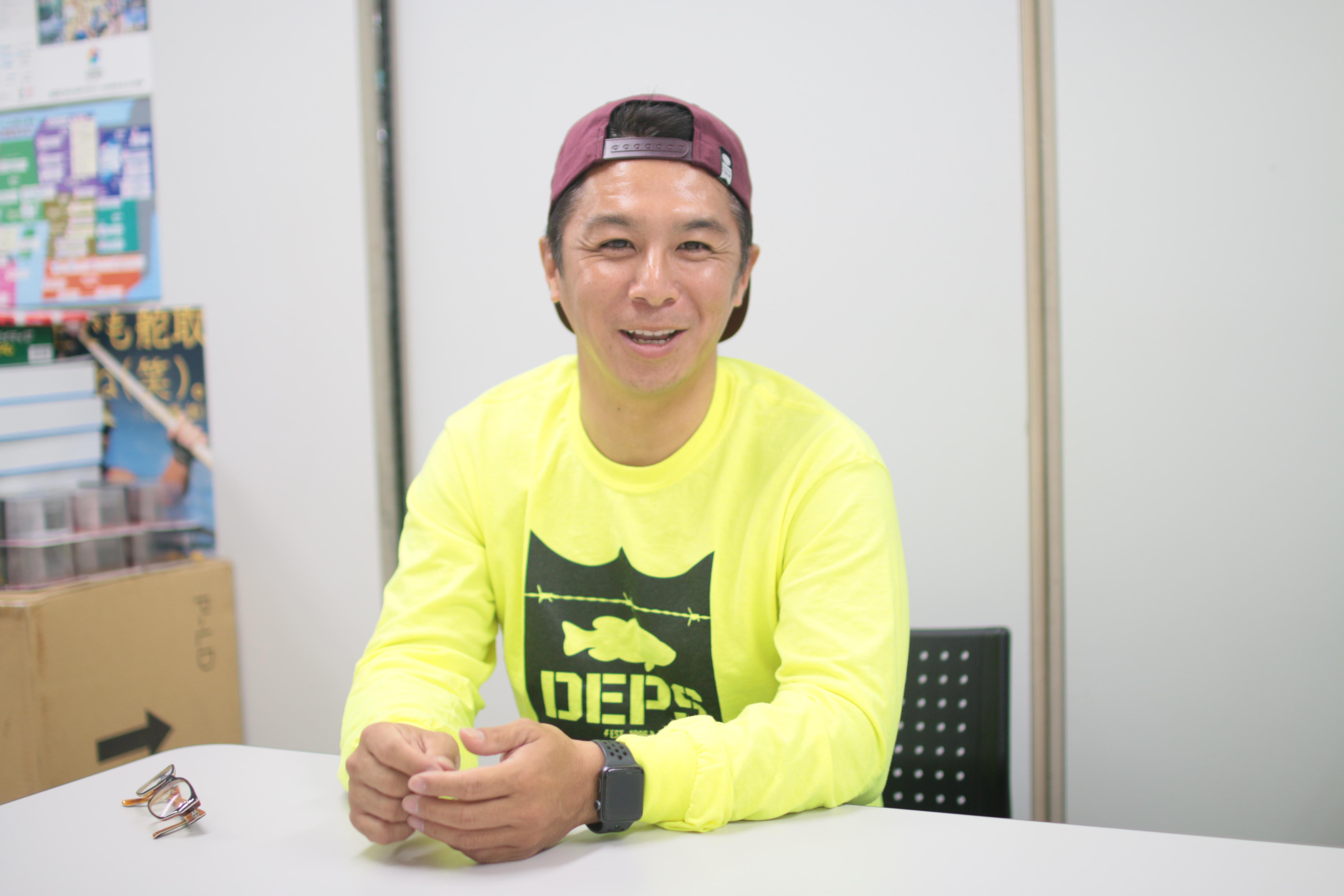 今流行りのスノボーファッションについて、またまた石川に聞いてみました。