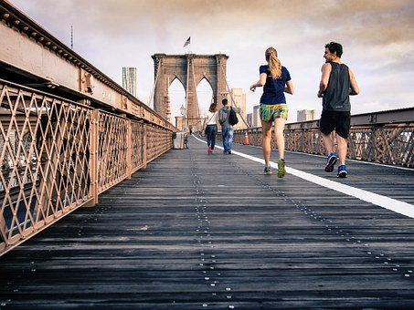 ランニングの最適な時間って??ダイエットに最も効率的なランニング時間!