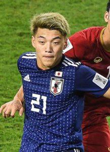 【長友絶賛!】サッカー日本代表・堂安律ってどんな選手?