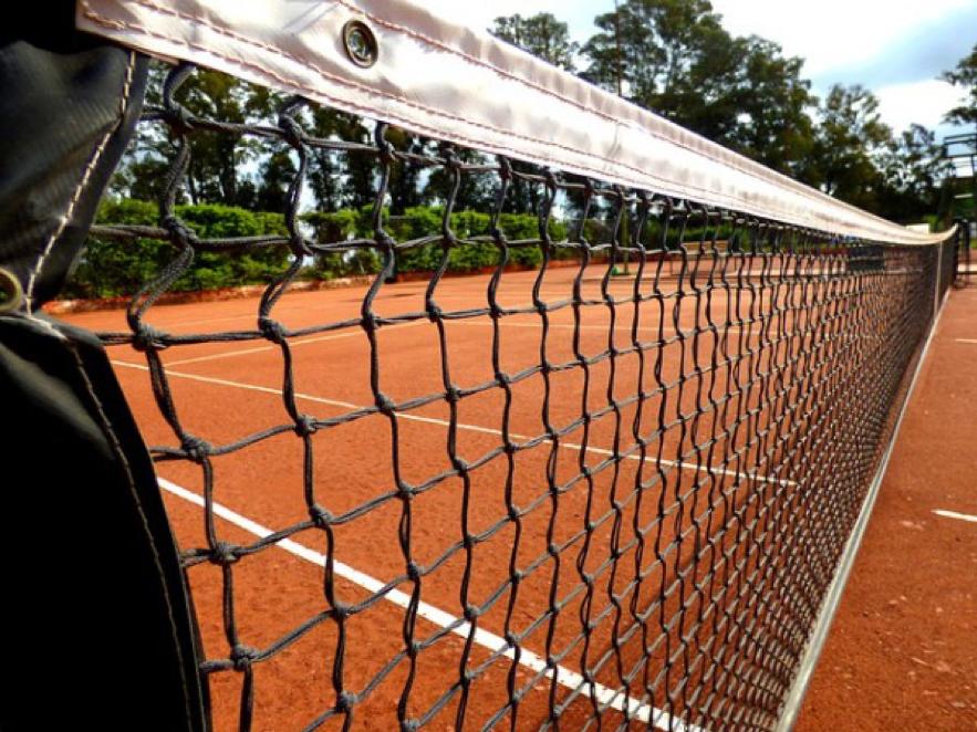 テニスのシングルとダブルスは別の競技?技術と考え方の違いを解説